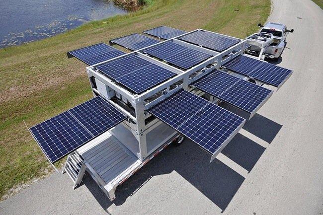 สถานีผลิตพลังงานแสงอาทิตย์ แบบเคลื่อนที่ ขนาดยักษ์ทำจากตู้คอนเทนเนอร์ 13 - solar panel