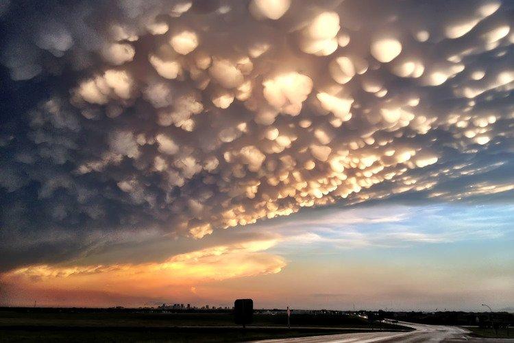 %name Mammatus Clouds หนึ่งในเมฆที่สวย มาพร้อมกับพายุที่รุนแรง