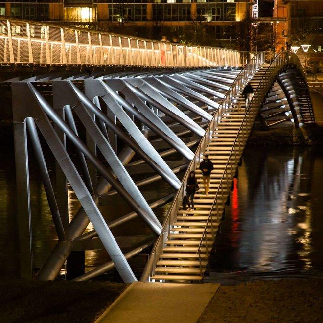 1 dietmar feichtinger completes the peace footbridge in lyon The Peace Footbridge  สะพานเดินเท้าและขี่จักรยานข้ามแม่น้ำโรน