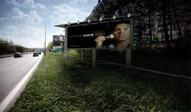 20140712 171528 62128163 ใช้ประโยชน์จากป้ายโฆษณา เป็นที่พักพิงสำหรับคนไร้บ้าน