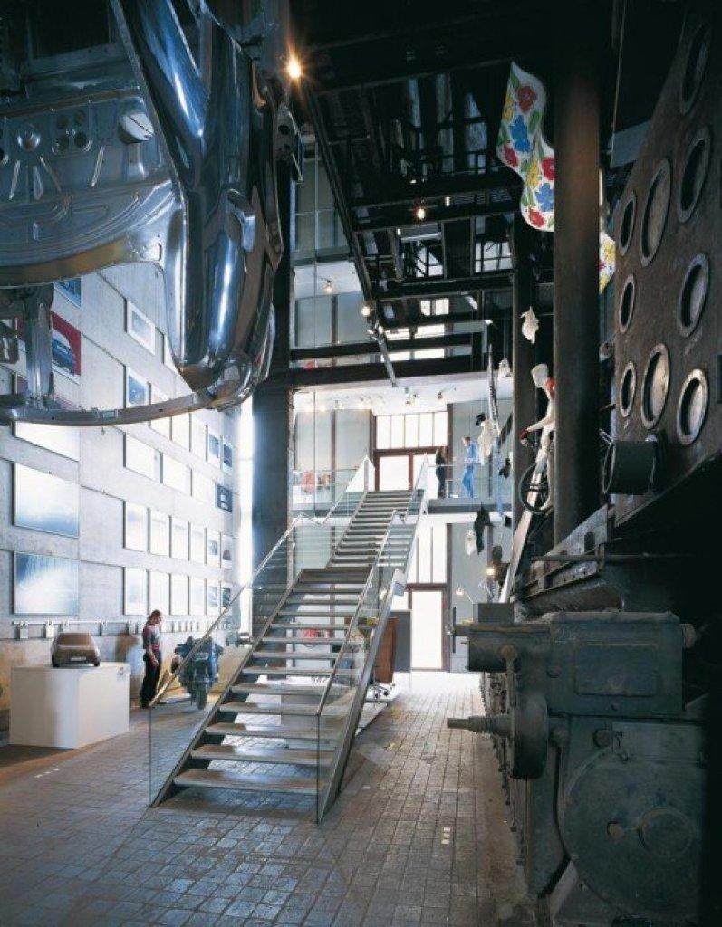 img8 Design Center ศูนย์ศิลปะบรรยากาศยุคอุตสาหกรรมหนัก