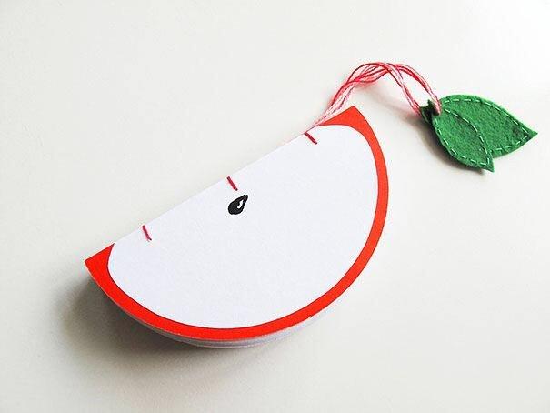 IMG 4569 สมุดโน๊ตทำมือ สีสันสดใส เป็นผัก ผลไม้ พิซซ่า