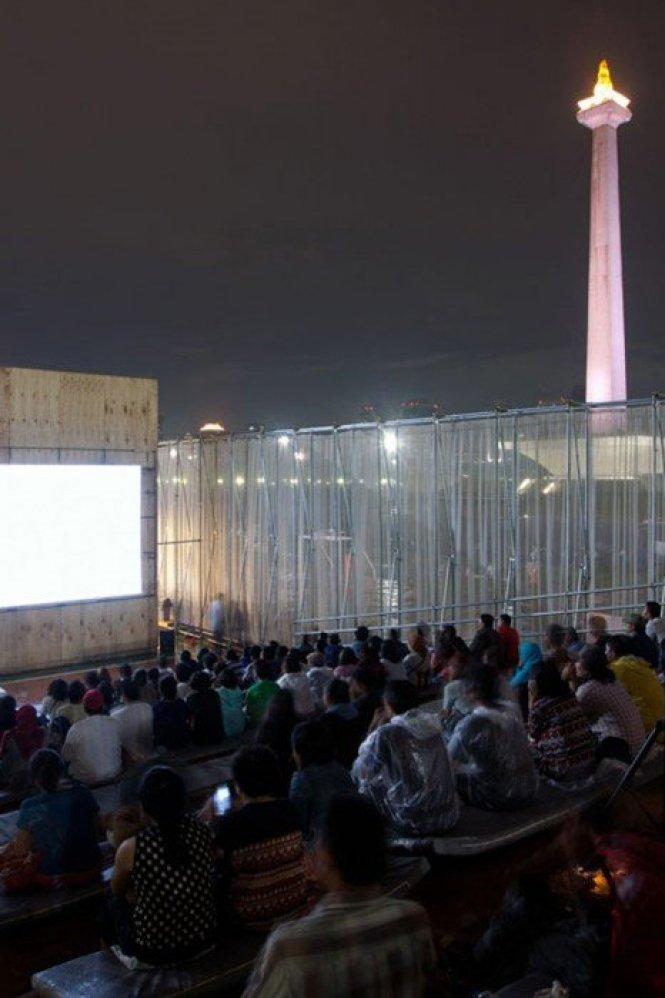 Kineforum-Misbar-open-air-cinema-by-Csutoras-and-Liando_dezeen_9