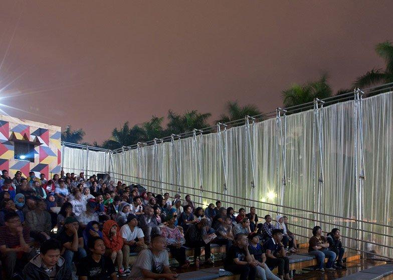 Kineforum-Misbar-open-air-cinema-by-Csutoras-and-Liando_dezeen_ss_8