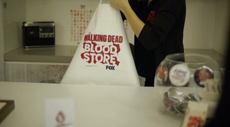 adaymag a walking dead pop up store where customers pay with their blood 07 ช็อปปิ้งร้านนี้ ต้องจ่ายเงินด้วย เลือด เท่านั้น