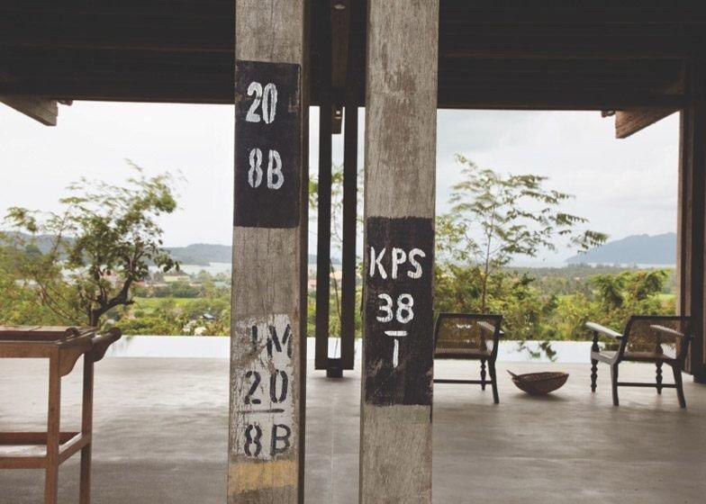 IMG 5372 บ้านที่สร้างจากไม้เก่า และเสาโทรเลข