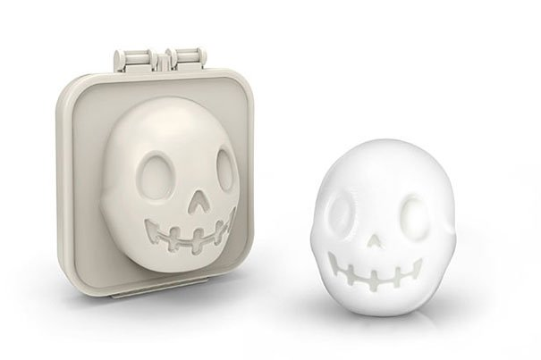 skull egg mold egg o matic 1 Turn Eggs Into Skulls For Halloween Breakfast เมนูไข่สำหรับเช้าวันฮาโลวีน