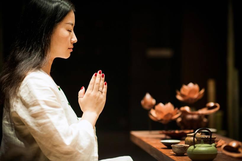 Bamboo 00 จิตสันติและสงบในห้องดื่มน้ำชา อารมณ์ไผ่และดอกบัวไม้