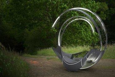 ม้านั่งผลิตจากชิ้นส่วนรีไซเคิลเครื่องบิน ดูแลตัวเอง ทั้งแสงสว่าง และน้ำหล่อเลี้ยงต้นไม้ 19 - solar panel