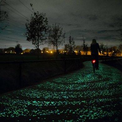 ทางจักรยานส่องสว่างในตัวเอง จากพลังงานแสงอาทิตย์ งดงามเหมือนภาพ Starry Night 14 - van gogh