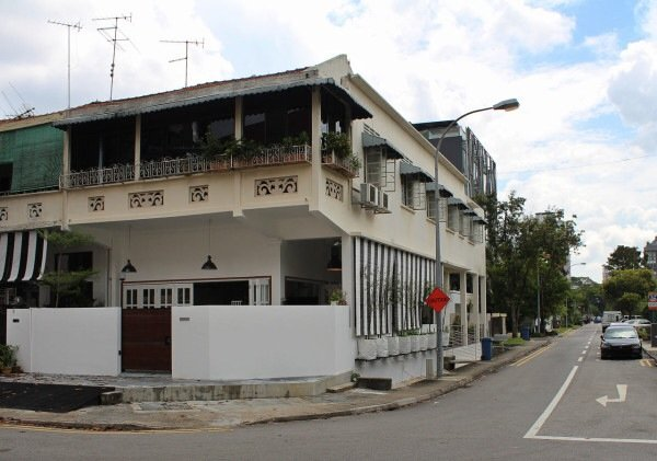 IMG 7444 ปรับปรุงทาวน์เฮาส์เก่า 60ปี เป็นบ้านสมัยใหม่ พื้นคอนกรีต สว่าง โปร่ง โล่ง