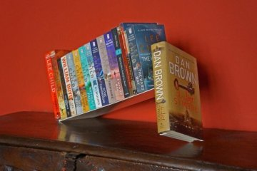 เปลี่ยนหนังสือ เป็นงานประติมากรรม... 2 - bookshelf