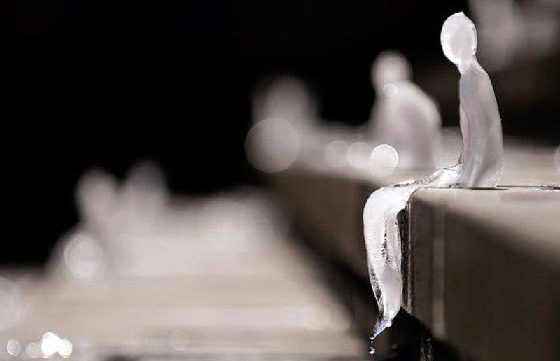 ice sculptures 2 Melting Men อนุสาวรีย์ที่ละลายหายไปได้ เพื่อระลึกถึงสงครามโลกครั้งที่ 1
