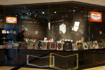 Hardcover เป็นร้านหนังสือเฉพาะทางสำหรับงานศิลปะ ดีไซน์ สถาปัตยกรรม ภาพถ่าย 29 - photography