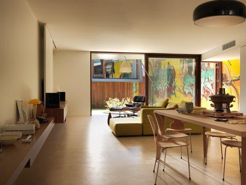 IMG 1207 บ้านในเมือง ที่นำเอา งานGraffiti มาเป็นองค์ประกอบของบ้าน