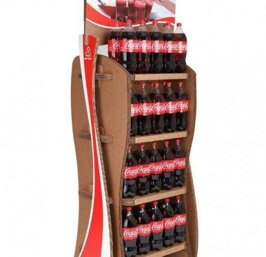 Coca-Cola's Green Marketing : ชั้นดิสเพลย์สินค้าจากกล่องใช้แล้ว 15 - รียูส