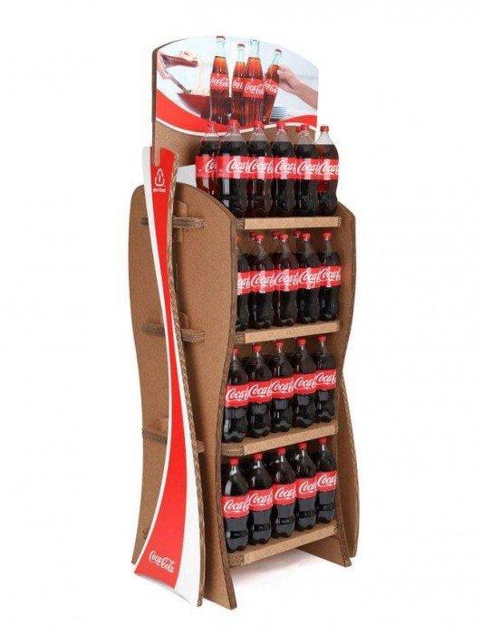 Coca-Cola's Green Marketing : ชั้นดิสเพลย์สินค้าจากกล่องใช้แล้ว 3 - Coca-Cola