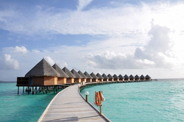 Thulhagiri Island Resort Spa water villas08 750x498 10 มัลดีฟส์ รีสอร์ท ราคาคนไทยแบบ All Inclusive ห้ามพลาดถ้าคิดจะไปเที่ยว Maldives