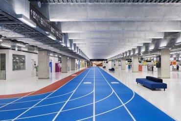 สนามบินNaritaในโตเกียว เปลี่ยนทางเลื่อนเป็นลู่วิ่งเพื่อต้อนรับโอลิมปิค2020 18 - tokyo