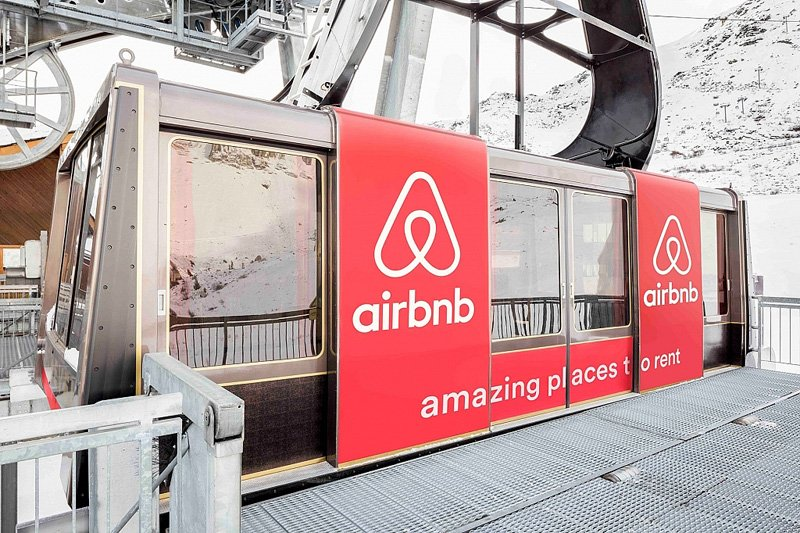 airbnb_cable_car_9000_feet_room_designrulz-9