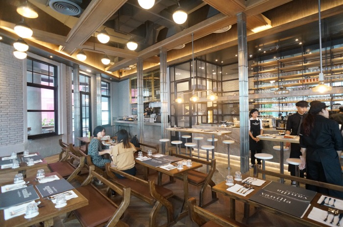 รสชาติของความสุขไม่รู้จบ ที่ Vanilla Cafeteria เปิดใหม่ @EmQuartier 25 - ร้านอาหาร