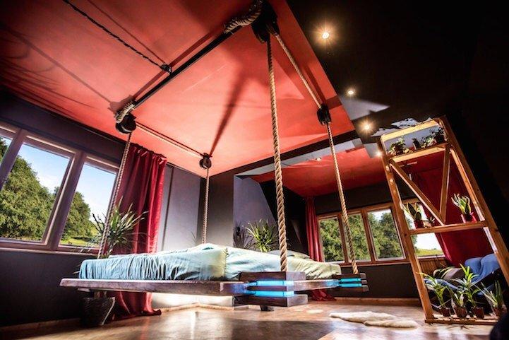 เตียงรีโมทคอนโทล..แขวนด้วยเชือก เก็บติดฝ้าเพดาน จะนอนก็สั่งเลื่อนลงมา 17 - bed
