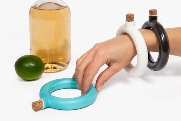 ขวดใส่เครื่องดื่ม.. แล้วใส่เป็นกำไลข้อมือ.. 6 - ceramic