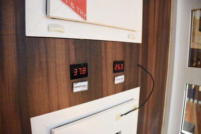 ทดสอบกันให้เห็นว่าป้องกันความร้อน ป้องกันเสียง และป้องกันน้ำรั่วซึมได้จริง