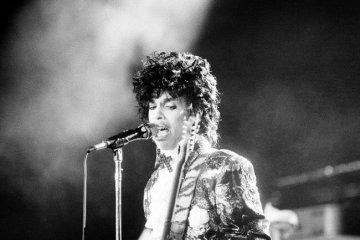 Prince ผู้สร้างปรากฏการณ์ใหม่ให้วงการเพลง เสียชีวิตแล้ว ด้วยวัย 57ปี 42 - PEOPLE