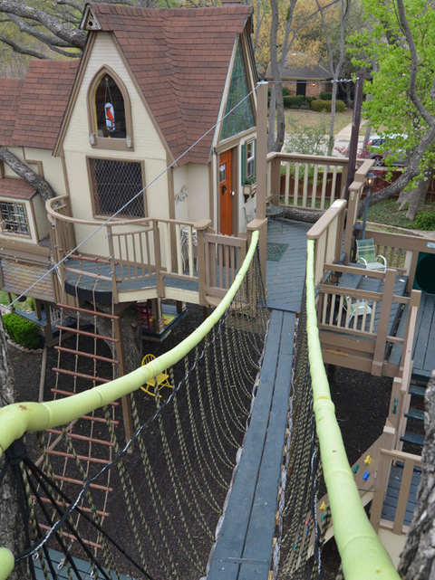 Fabulous Tree House 3 บ้านต้นไม้ในฝันของเด็กๆ หลายคน ลุงป้าสร้างอย่างสุดพลังเพื่อหลาน อลังการอย่างกับสวนสนุก