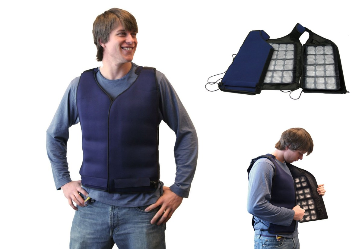 cooling-vest-ice-cube-tray-lazy-gadgets