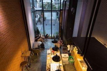 รีโนเวทตึกแถวเก่า ให้เป็นร้านกาแฟ CASE STUDY COFFEE & EATERY 16 - ตกแต่งบ้าน