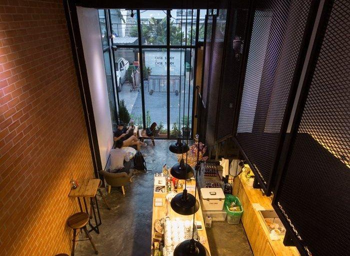 รีโนเวทตึกแถวเก่า ให้เป็นร้านกาแฟ CASE STUDY COFFEE & EATERY 23 - ตกแต่งบ้าน
