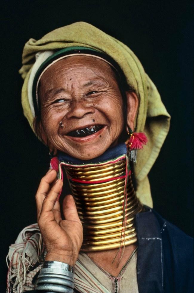 Burma 650x980 6 ชนเผ่ากับความงามบนร่างกาย ที่เห็นแล้วต้องร้อง OMG!