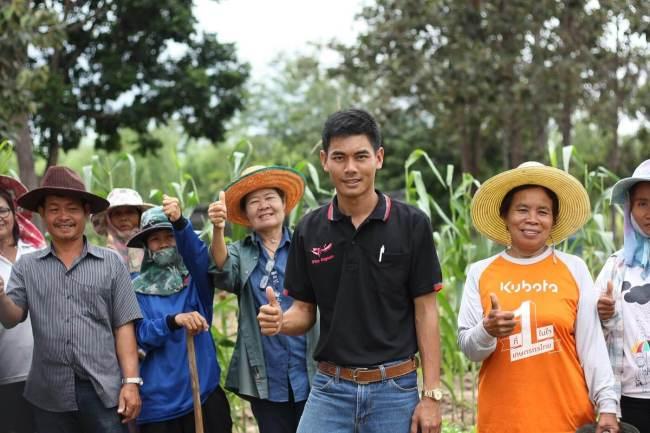 smartfarmer 05 750x500 ทำความรู้จักการเกษตรยุค 4.0 คืออะไร? และพบตัวอย่างเกษตรกรรุ่นใหม่ คุณอายุ จือปา จากเด็กดอยสู่เจ้าของแบรนด์กาแฟระดับโลก