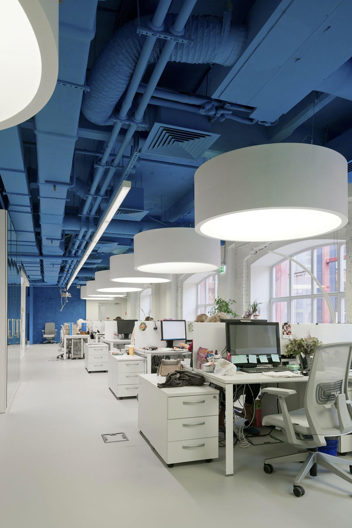 12 เทคนิคตกแต่งออฟฟิศเล็กให้ดูใหญ่ ถูกใจ SME และ home office 15 - Co-Working Space