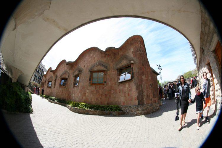 """""""บาร์เซโลน่า"""" เมืองของ """"เกาดี้"""" สถาปนิกผู้รังสรรค์ผลงานที่เลียนแบบธรรมชาติสู่ """"มรดกโลก"""" 27 - Casa batllo"""
