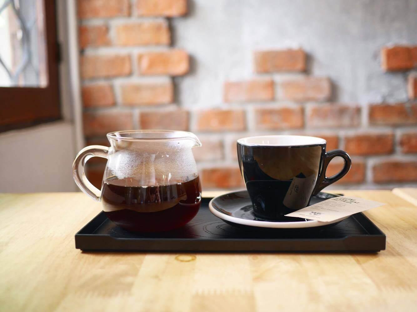 10 ร้านกาแฟ ทองหล่อ - เอกมัย เครื่องดื่มเด็ด บรรยากาศดี 46 - Ananda Development (อนันดา ดีเวลลอปเม้นท์)