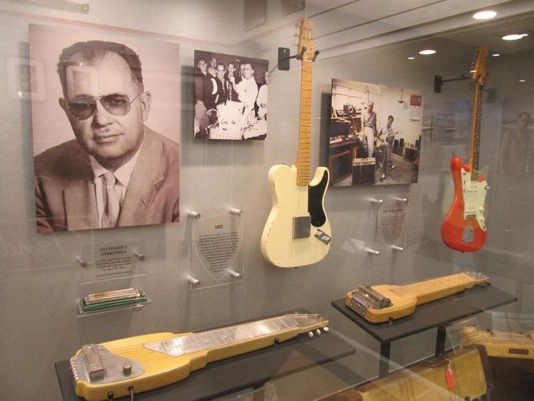 leofender 1 750x563 รีวิวลำโพง Fender คู่แรกจากตำนานแห่งวงการดนตรี Monterey™ & Newport™