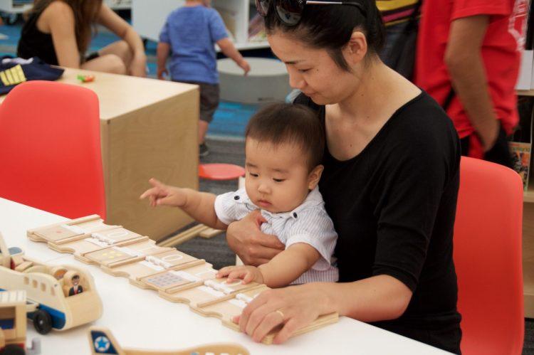 01 750x499 Wood Toy ของเล่นไม้สอนพื้นฐานการเขียนโปรแกรม พัฒนาลูกน้อยสู่ยุคดิจิตอล