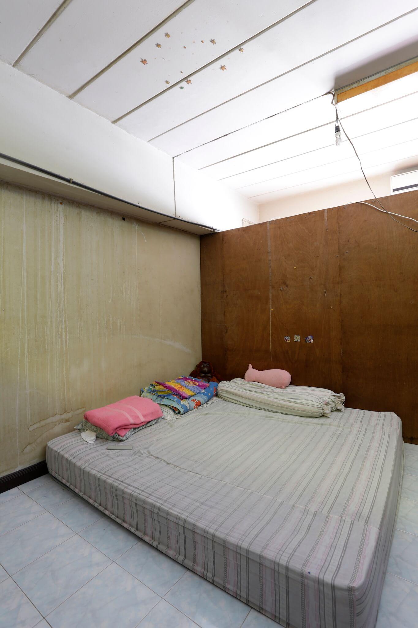 รีโนเวทบ้าน แปลงคอนโดเก่าเป็นสไตล์ Loft และประตูสวยทนด้วยไฟเบอร์ซีเมนต์จาก Shera 16 - fiber cement wood