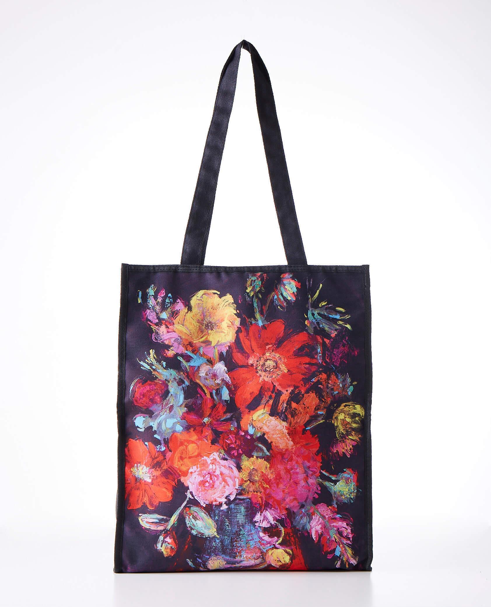 """นิทรรศการ """"Arianna Caroli : Artist in Residence"""" ถ่ายทอดพลังแห่งดอกไม้งามผ่านงานศิลปะ 7-18 ก.พ. นี้ ที่เซ็นทรัล เอ็มบาสซี 24 - Arianna Caroli"""