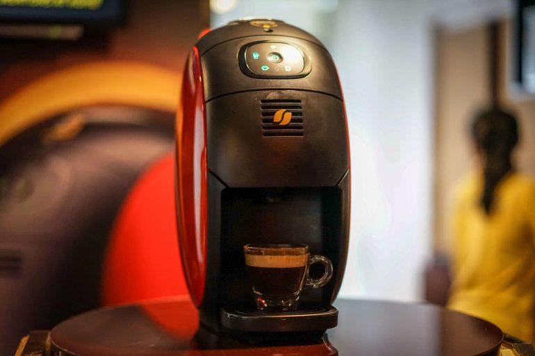 บังเอิญชิม NESCAFÉ GOLD BARISTA แก้วละแค่ 3 บาท เครื่องก็ได้ฟรี ใครมีออฟฟิศคุ้มมาก จัดเลย 19 - Coffee