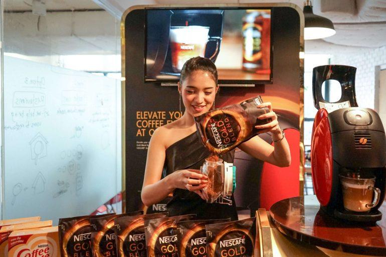 บังเอิญชิม NESCAFÉ GOLD BARISTA แก้วละแค่ 3 บาท เครื่องก็ได้ฟรี ใครมีออฟฟิศคุ้มมาก จัดเลย 24 - Coffee