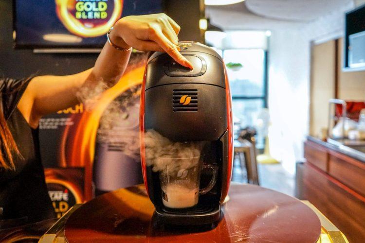 nescafe 25 750x500 บังเอิญชิม NESCAFÉ GOLD BARISTA แก้วละแค่ 3 บาท เครื่องก็ได้ฟรี ใครมีออฟฟิศคุ้มมาก จัดเลย