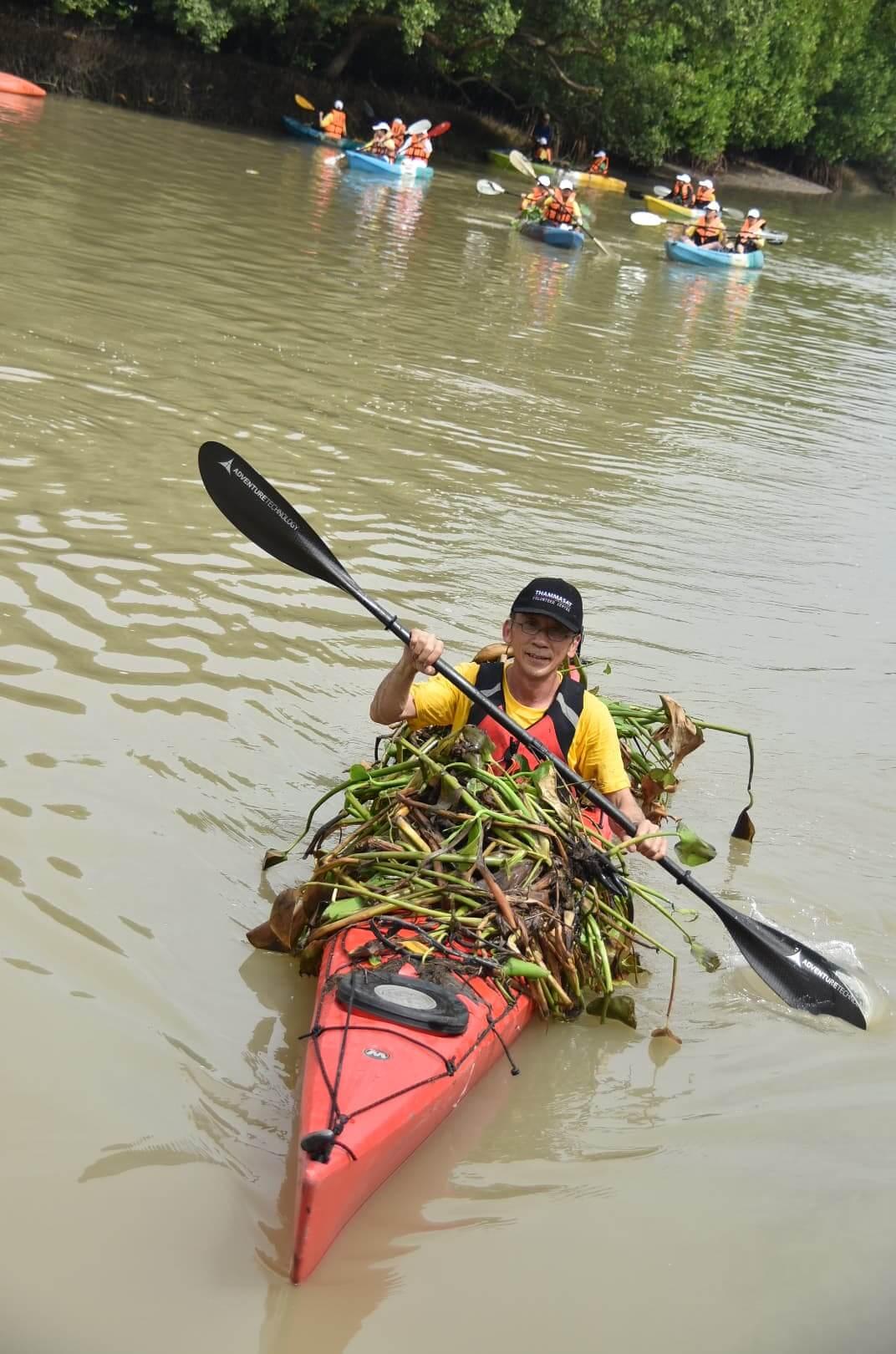 พายเรือเก็บขยะได้ถึง 2 ตัน ธรรมศาสตร์ร่วมสานต่อ #PlasticRights ในแม่น้ำระยอง 18 - junk