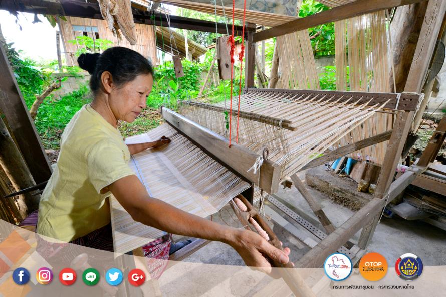 """เดินเที่ยวด้วยสองขาที่ """"บ้านสามขา"""" จ.ลำปาง ชมงานแกะสลักไม้ ผ้าฝ้ายสีธรรมชาติ ปศุสัตว์ไร่นา ข้าวปลากาแฟ ล้วนแต่เกษตรอินทรีย์ 17 - Amazing Thailand"""