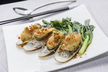 เมนูอาหารทะเล สไตล์จีนกวางตุ้ง ณ ห้องอาหารจีนซิลเวอร์เวฟส์ โรงแรมชาเทรียม ริเวอร์ไซด์ กรุงเทพฯ 12 -