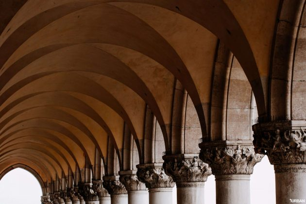 columns-and-arches-PGKU78R