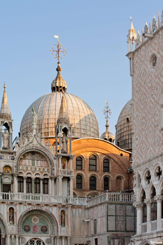 early-morning-above-the-saint-marks-basilica-PECJMA6